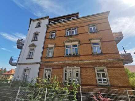 Wohntraum mit 3 Zimmern und Balkon in Dresden-Naußlitz!