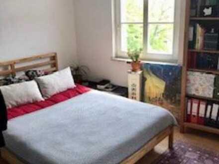 Gemütliche und lichtdurchflutete 1 Zimmer Wohnung mitten im Zentrum!! Ideal für Studenten !!