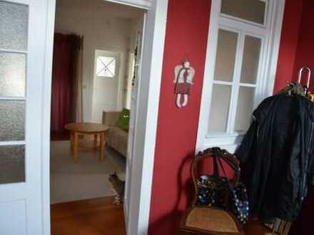 Günstige, geräumige und gepflegte 3-Zimmer-Erdgeschosswohnung mit EBK in Ravenstein