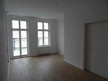 4-Zimmer Dachgeschosswohung mit EBK, Klimaanlage, Terrasse, Fußbodenheizung - frei ab sofort