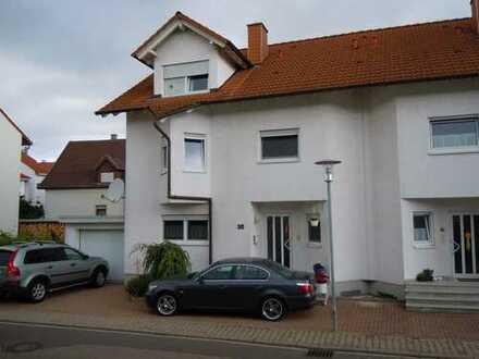 Zentral gelegenes Haus mit acht Zimmern in Rhein-Neckar-Kreis, Dielheim