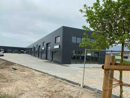Gewerbeeinheiten mit Büro im Ringhof Schönow als Firmensitz