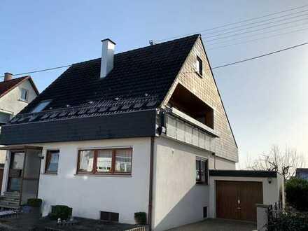 schönes Einfamilienhaus mit Garage und 2 Balkonen