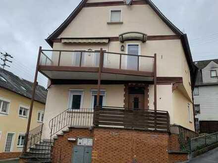 Großzügige Maisonettewohnung mit Loggia und Balkon