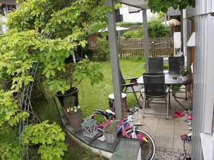 Schöne, gut geschnittene EG Wohnung mit Süd-Garten + 2.Terrasse im Herzen von Oberhaching