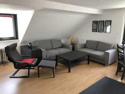 Gepflegte 3,5-Zimmer-DG-Wohnung mit Einbauküche in Essen Gerschede