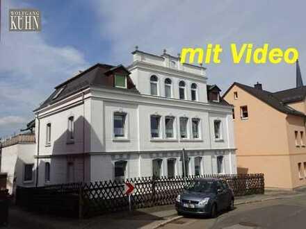 Wohnen Nähe Schlosspark, 2-Raum-Wohnung im DG mit Stellplatz - Gartennutzung möglich