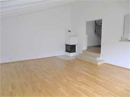 TOP Split-Level Wohnung mit DACHATELIER/BÜRO und OFFENEM KAMIN