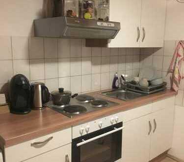 Schöne 1-Zimmer-DG-Wohnung mit Einbauküche in Heidelberg