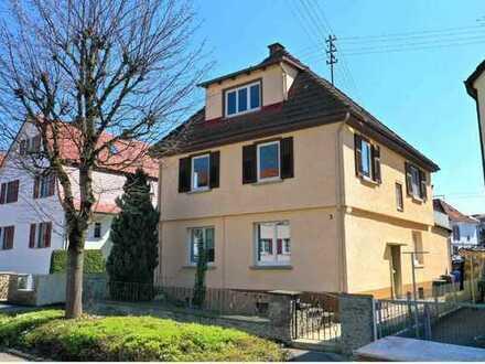 Hechingen Unterstadt: Entwicklungsfähiges Zweifamilienhaus in guter Lage