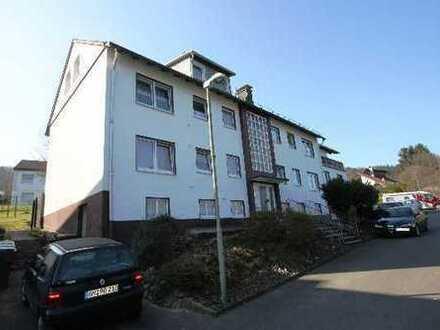 WIEHL-BIELSTEIN: Gut geschnittene Terrassenwohnung in einem ruhigen 5 - Familienhaus.