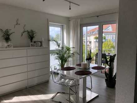 Stilvolle, neuwertige 2-Zimmer-Wohnung mit Balkon und EBK in Aschaffenburg