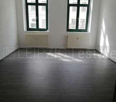 +++4-Raum-Wohnung mit 2 Badezimmern in saniertem Altbau+++