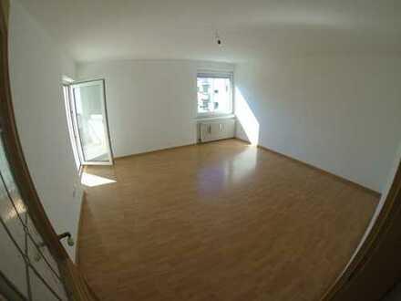 Wunderschöne 3 Zimmer Wohnung hell ruhig und tolle Aussicht mit S-Bahn Nähe Bogenhausen