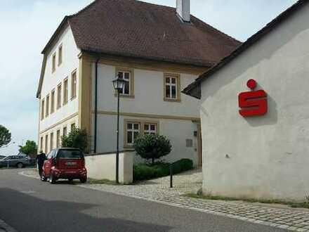 Gepflegte und helle Büro- bzw. Geschäftsräume im Ortskern von Stettfeld, Fläche ca. 105m²