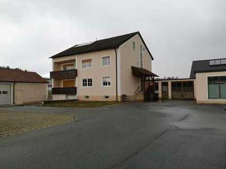 Erstbezug nach Sanierung: attraktive 4-Zimmer-Wohnung mit Einbauküche und Balkon in Luhe-Wildenau