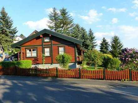 Wohnungsalternative - Gepflegtes Holzhaus mit Carport