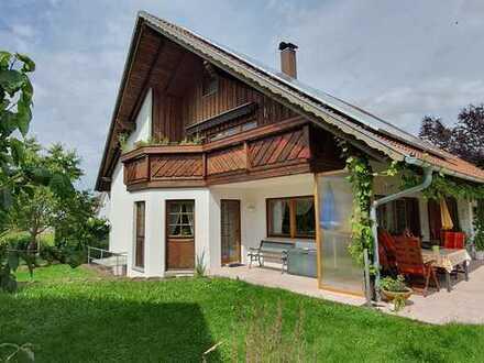 Wunderschöne, lichtdurchflutete 3,5-Zimmer-Wohnung mit Balkon in Hardt