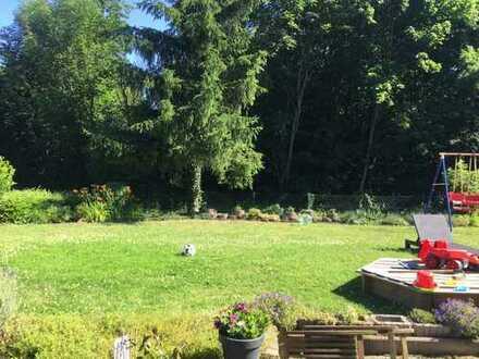 Mit Terasse und Garten