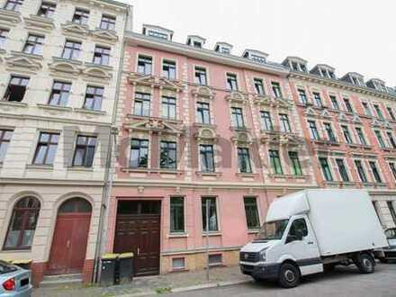 Ideale Kapitalanlage: Gepflegte, vermietete 4-Zi.-Maisonette m. Balkon & Dachloggia in Altlindenau