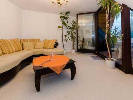 Stilvolle, gepflegte 3-Zimmer-DG-Wohnung mit Balkon und EBK in Stuttgart Ost