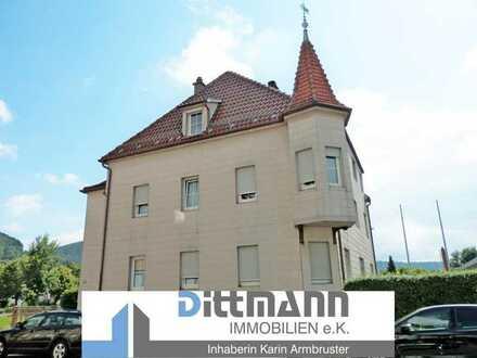 Großzügige 5-Zimmer Wohnung mit großem Balkon und Garage in Ebingen