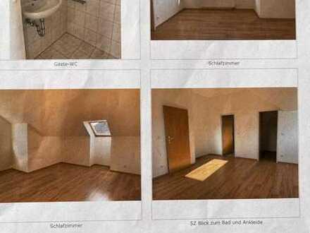 Exklusive, geräumige und gepflegte 2-Zimmer-DG-Wohnung mit Balkon und EBK incl. TG in Dresden
