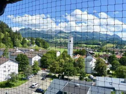 Vermietete, sehr gepflegte 4 Zimmer Wohnung mit traumhaftem Panorama Blick in die Alpen