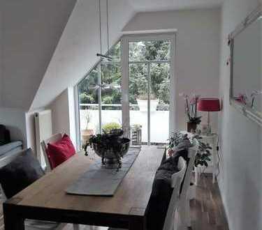 Schöne 3-Zimmer-Wohnung mit ausgebautem Spitzboden, Balkon und Einbauküche in Oldenburg