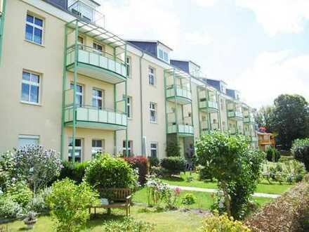 Schöne 2-Zimmer-Erdgeschoss-Wohnung mit Terrasse, Gartennutzung und Pkw-Stellplatz in Neuruppin