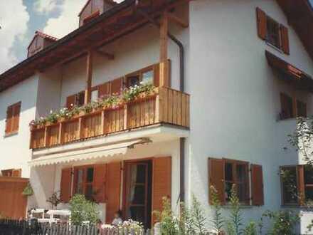 Doppelhaushälfte mit schönem Garten in ruhiger Lage