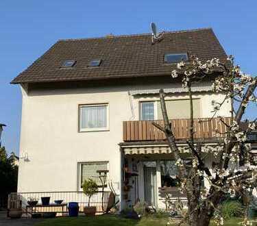 Sehr schöne, helle Dachgeschosswohnung in Troisdorf-Kriegsdorf
