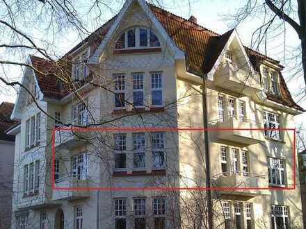 Jugendstilhaus am Schlosspark - Zwei Balkone & 103,45 m² Wohnung (1. Etage, 4 Zimmer)