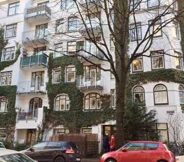 Gemütlich möblierte 3 Zimmer-Altbauwohnung in Winterhude