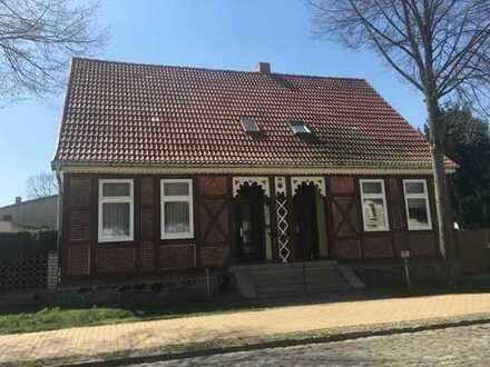 Idyllisches Fachwerkhaus mit Sommerhaus auf großem Grundstück!