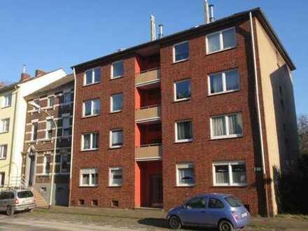 Renovierte und gut geschnittene 3-Zimmer-EG-Wohnung in Neuenkamp zu vermieten