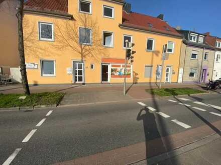 Attraktive Ladenfläche / Bürofläche in frequentierter Lage Sebaldsbrücks inkl. Lagerhalle