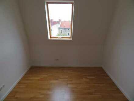 Exklusives Dachgeschoß / Fertigstellung erfolgt / Terrasse / 3,50 m Raumhöhe / ruhige Kiezlage