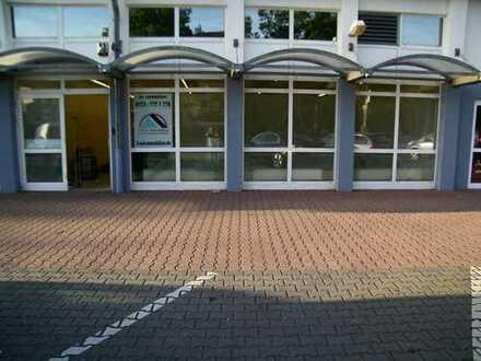 "ca. 140,00 m² große Verkaufsfläche neben starken Discounter ""Penny Markt"" in Hemer"