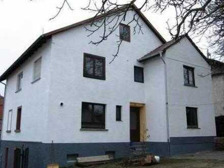Freistehendes Wohnhaus mit 4 Einheiten