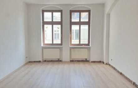 ERSTBEZUG - Sanierte 3-Raum Wohnung mit Balkon