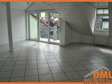 Renov. u isolierte DG-Wohnung in der Binger Fußgängerzone. 3ZKB, Balkon, EBK, 2x Bad
