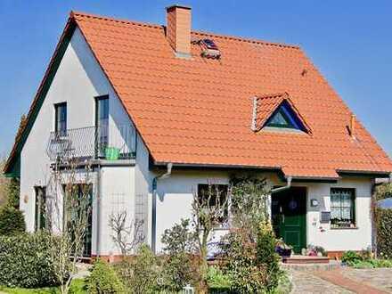 HORN IMMOBILIEN ++ wunderschönes Einfamilienhaus in Neuendorf kurz vor Neubrandenburg