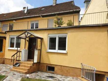 Doppelhaushälfte mit großzügiger Dachterasse zu vermieten