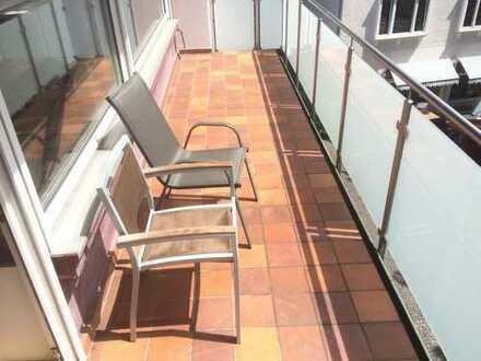 30qm Zimmer mit Balkon in 4er-WG, tolle Lage
