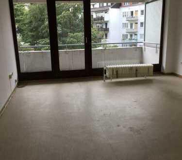 Freundliche 2-Zimmer-Wohnung mit Balkon und Einbauküche in Bremen