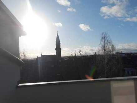 **ToP**schöne 3-Raum Wohnung mit Dach-Terrasse, Lift und Stellplatz am Zentrum zu vermieten**