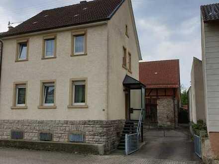 Einfamilienhaus mit großem Grundstück und großem Garten im Neckar-Odenwald-Kreis, Hüffenhardt