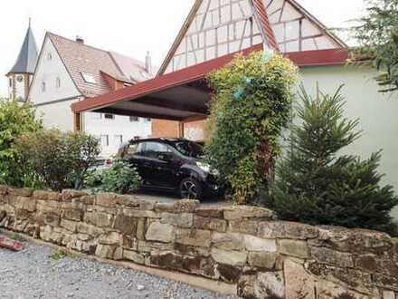 Baug-Gründstück mit Carport und Garten