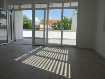 Neubau exklusives Penthaus große Terrasse, Kühloption, KFW 55 Effizienz